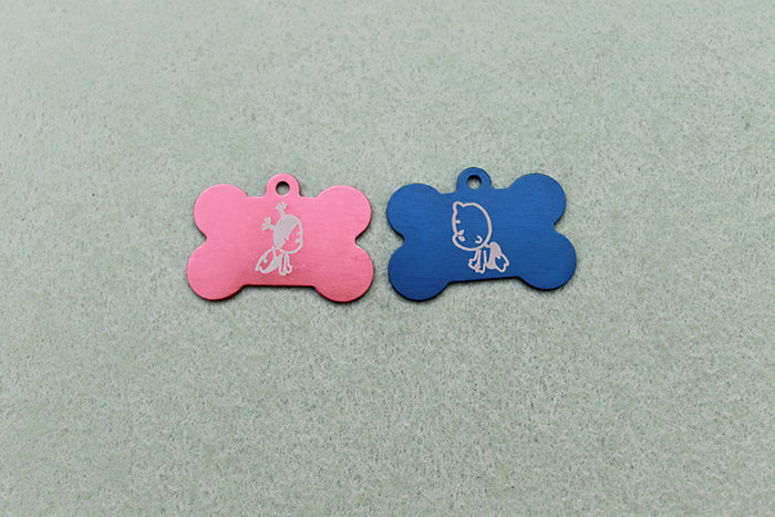 Two pendants Coated-Metal laser engraver