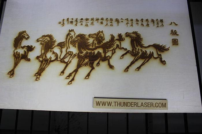 wood horse Лазерний станок для фанери