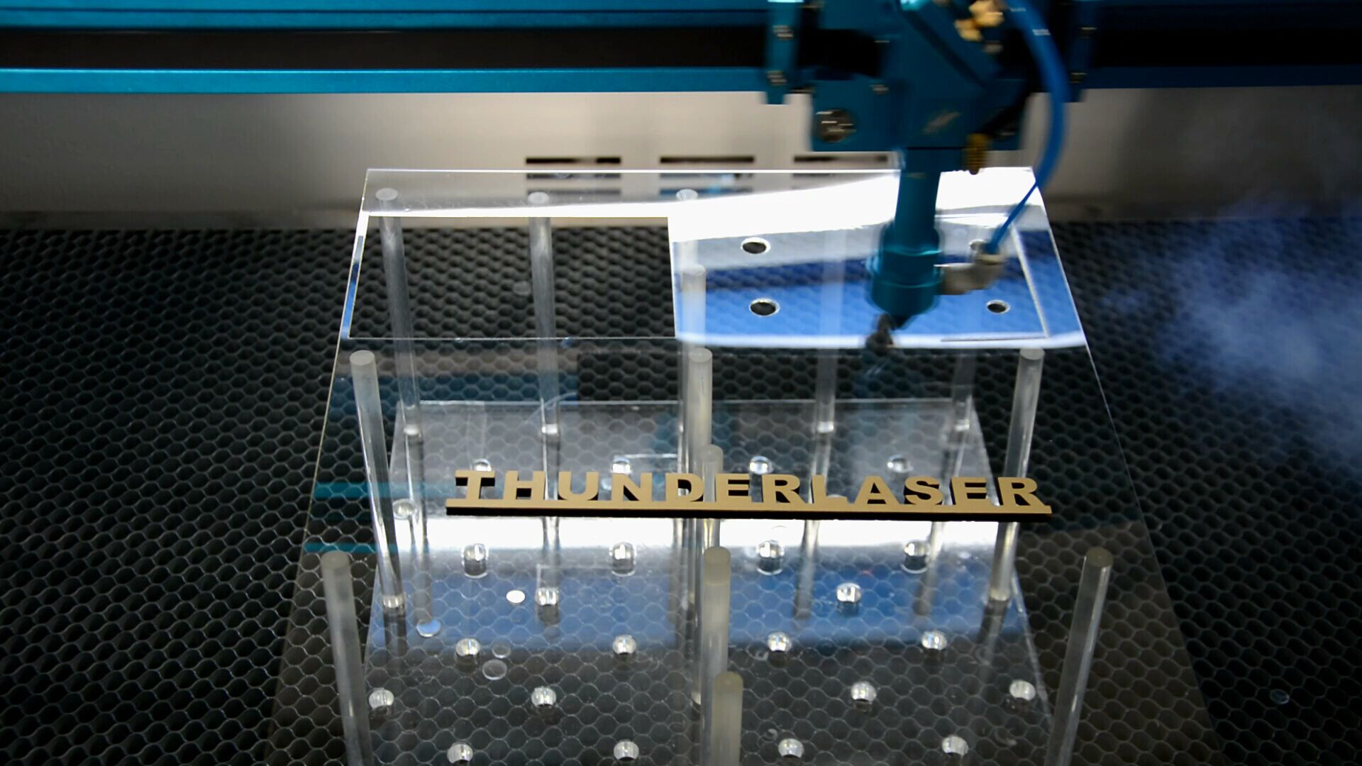 Laser cutter's LCD panel in Chinese