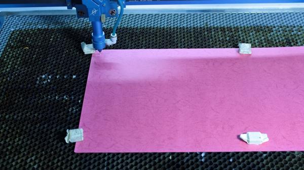 Лазерний різак для паперу