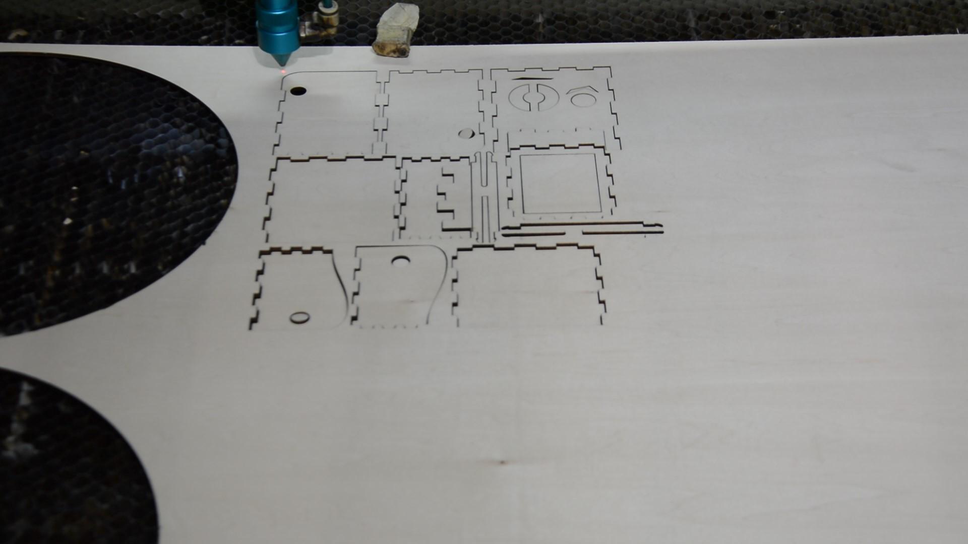 лазерне вирізання
